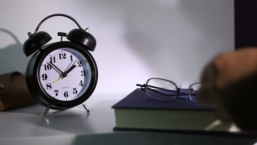 Problems Sleeping? Here are 8 Strategies to Help You